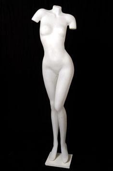 MP08 – Mujer Plástico