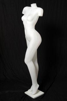 MP09 - Mujer Plástico S/Brazo