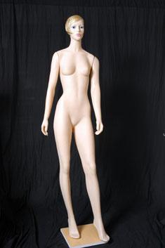 MP16 - Dama Plástico Completo Maquillado