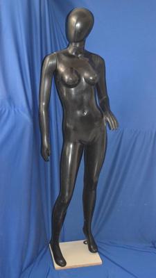 MP01 – Mujer Plástico