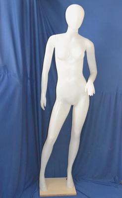 MP03 – Mujer Plástico
